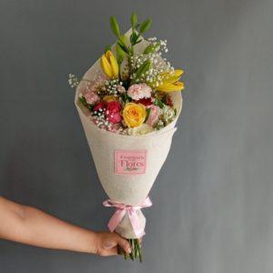Ramo de Rosas y Lilies