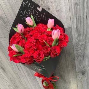 Ramo de Rosas con Tulipanes.